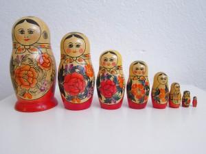 8姉妹の古いマトリョーシカ